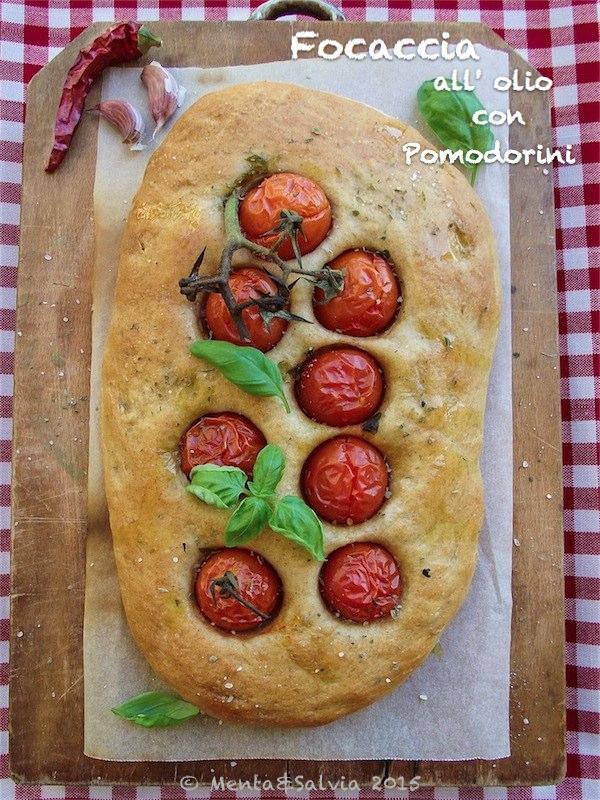 focaccia-olio-pomodorini