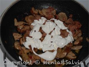 pasta-funghi-salsiccia-4