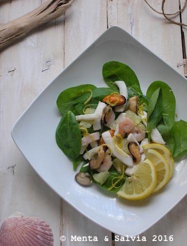 insalata di mare con spinacini e limoni