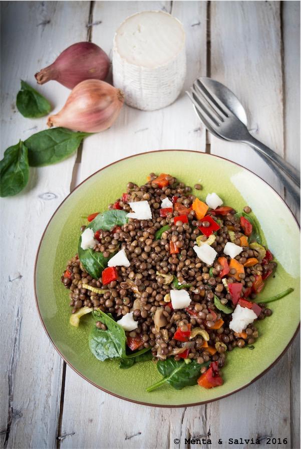 lenticchie, caprino e verdure